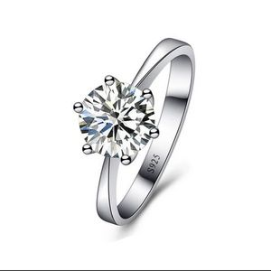 Sterling Silver Cubic Zirconia Stone  S925 Ring